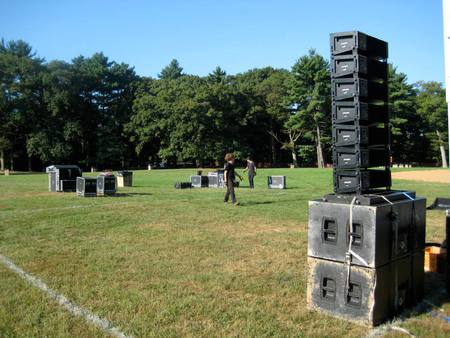 Meyer Mrsquoelodie Line Array on top of Meyer 700-HP Subs