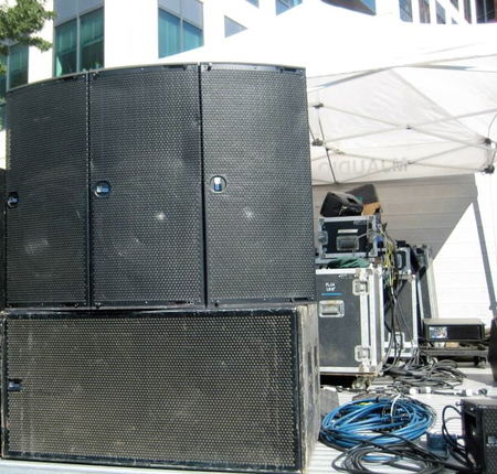 Meyer JMrsquos stacked on top of a horizontal 700 Subwoofer